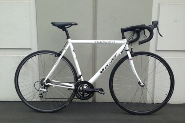 Windsor Wellington 2.0 Aluminum 21 Speed Road Bike